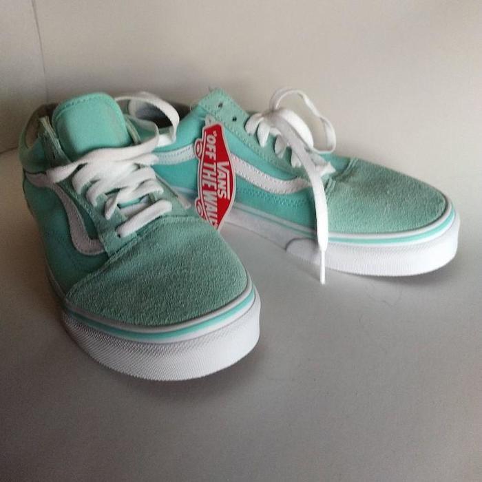 big sale 7c969 d0e1d ... Low Top Skate Shoes mint green pastel NEW Womens 7.5 Mens 6 VANS  Classic Low Top Skate Shoes mint green pastel NEW . Condition is New  without box.